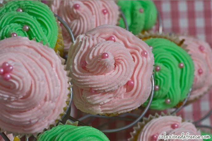 cupcakes alla vaniglia con glassa al burro
